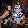 Miley Cyrus újra lányt csókolt!