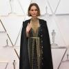Natalie Portman üzenetet varratott köpenyére az Oscar-díjátadón