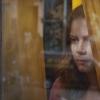 Nő az ablakban: Amy Adams új filmjében egy hátborzongató gyilkosság szemtanúja