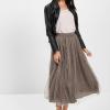 Női szoknyák – a közelgő nyár divatslágere a midi!