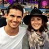 Összeházasodott Italia Ricci és Robbie Amell