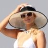 Paris Hilton pasi nélkül is boldog