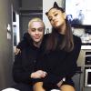 Pete Davidson haragszik Ariana Grandére, amiért az énekesnő azt híresztelte, nagy pénisze van