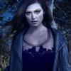 Phoebe Tonkin hisz a mágiában