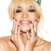 Rihanna ismét ledobta ruháit