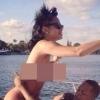 Botrány: pucéran, ismeretlen pasin lovagol Rihanna