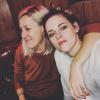 Ritka eset: közös képet posztolt Kristen Stewart és barátnője