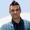 Robbie Williams bármikor lefeküdne Brad Pitt-tel
