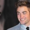 Robert Pattinson Cheryl Cole-t akarja
