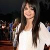 Selena Gomez a divatpiacra lép