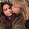 Selena Gomez aranyos üzenettel köszöntötte Taylor Swiftet