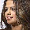 Selena Gomez kiállt rajongója mellett