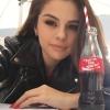 Selena Gomez lett a Coca Cola nyári arca