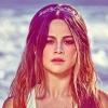 Selena Gomez maga mögött hagyta a korábbi drámákat