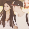 Selena Gomez még mindig Biebert cikizi