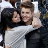 Selena Gomez szégyenkezik Justin Bieber miatt