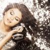 Selena olyan pasit akar, aki megőrül érte