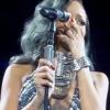Sírva fakadt koncertjén Rihanna