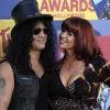 Slash elválik feleségétől