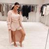Kim Kardashian őrült összegért árulja pizsamáját, egy influencer megalkotta olcsóbban