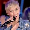 Szájtetkóval sokkol Miley Cyrus
