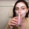 Szeretnél olyan ragyogó bőrt, mint Phoebe Tonkinnak? A színésznő elárulta a titkát