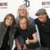 Szétesik az AC/DC: Cliff Williams is visszavonul