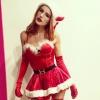 Szexi ünnepi jelmezben várja a karácsonyt Bella Thorne