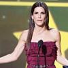 Színpadon káromkodott Sandra Bullock