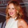 Színpadon villantott Kylie Minogue