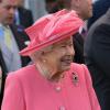 Szokatlan módon tisztítja az ékszereket II. Erzsébet öltöztetőnője