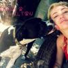 Szomorú hírt osztott meg Miley Cyrus: újabb kutyáját vesztette el