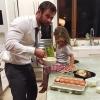 Szupercuki meglepetéssel kedveskedett kislányának Chris Hemsworth