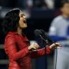 Tarolt az amerikai himnusszal Demi Lovato