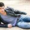 Taylor Lautner perel