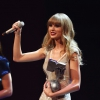 Taylor Swift lenyomta Rihannát