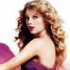 Taylor Swift rekordokat dönt