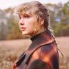 Taylor Swift új meglepetésalbummal rukkolt elő, itt az Evermore!