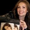 Thalía holnap New Yorkban dedikálja könyvét