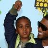 Tragédia! Lekapcsolták Usher mostohafiát a gépekről!