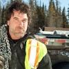 Tragikus balesetben életét vesztette a Kamionnal a jégen át sztárja