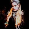 Új kislemeze teljes bevételét jótékonyságra fordítja Avril Lavigne