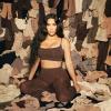 Új kollekcióval jött ki, máris botrány van Kim Kardashian alakformáló fehérneműi miatt