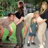 Újraalkotta szülei babaváró fotóját Bindi Irwin