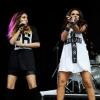 Üveggel dobták fejbe a Little Mix énekesnőjét