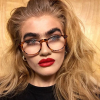 Valóságos Instagram-sztár lett szemöldökének köszönhetően a fiatal lány