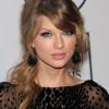 Világ körüli turnéra indul Taylor Swift