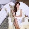 Visszatért a zenei életbe Angela Zhang