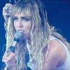 Zenei történelmet írt Miley Cyrus: a Metallica dalát dolgozta fel