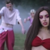 Zombis kisfilmmel jelentkezett Charli XCX